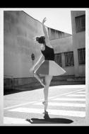 María Pedraza, bailarina cósmica